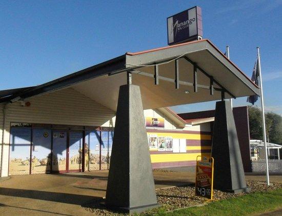 Antler Motel : RSL Club opposite