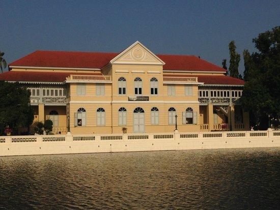 Bang Pa-In Palace: Bang Pa Palace Ground