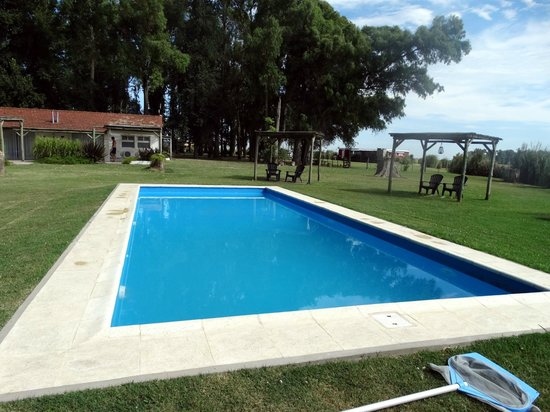 Howard Johnson Hotel Finca Maria Cristina: Piscina