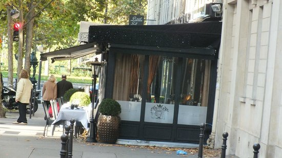 Le Grand Bistro 17eme : Afternoon I reported being sick following a meal here