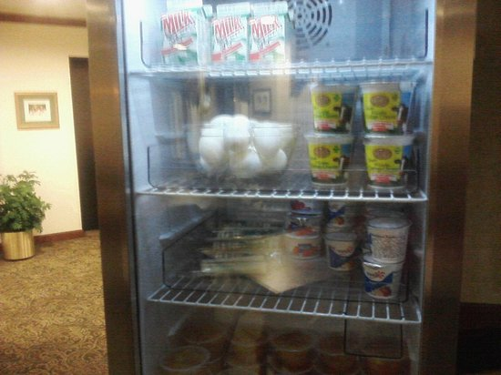Kress Inn, An Ascend Hotel Collection: breakfast choices in frig