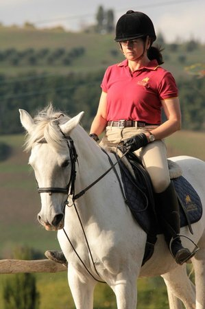 Il Paretaio: Riding Zarish