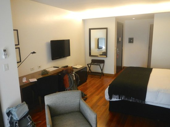 Fierro Hotel Buenos Aires: Nice spacious room