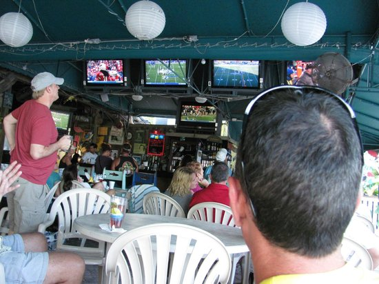 Ocean View Inn and Sports Pub: Which football game do you prefer?