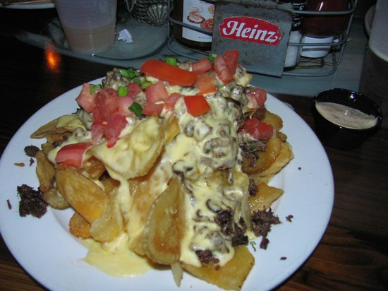 Wahoo's Bar and Grill : Some of the best nachos I've ever had and I sample nachos wherever I go