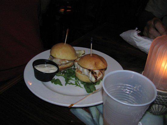 Wahoo's Bar and Grill : Food was fantastic and well presented :)