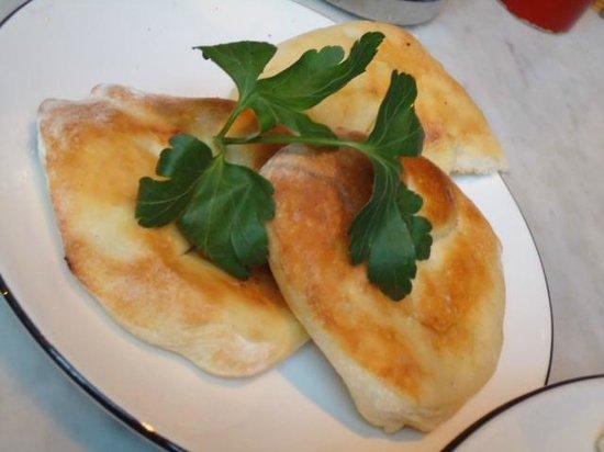 Pizza Express Soho Square: Garlic Bread