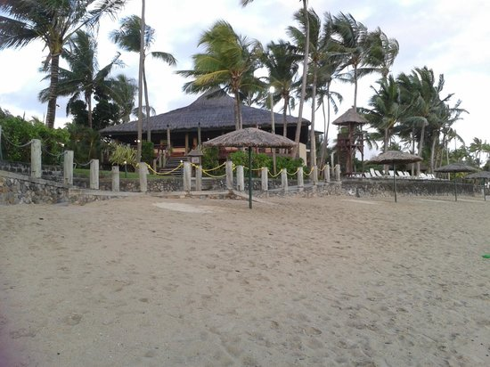 Outrigger Fiji Beach Resort: Beach at outrigger during sunset