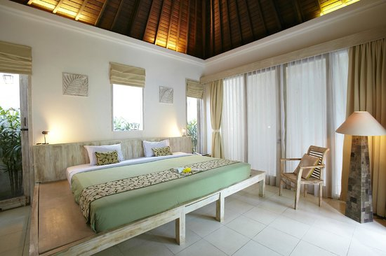 Artemis Villa And Hotel: Double Bed Of Hotel Type