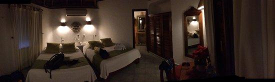 Mahekal Beach Resort : Palapa