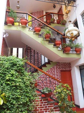 Hotel Casablanca Cusco: Inside Courtyard