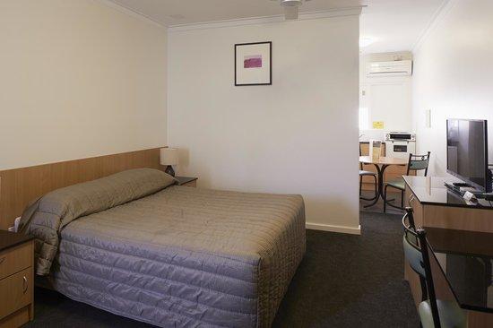 Baileys Motel Standard Room