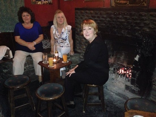 Achill Water's Edge: At the Valley House Pub withe Sinead and her Mom.