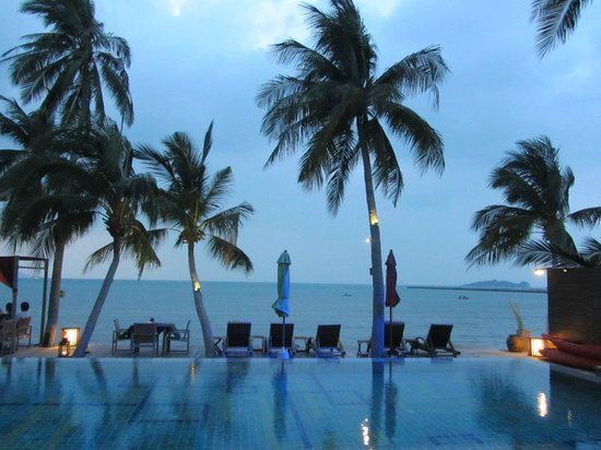Tango Luxe Beach Villa: The sunset beach