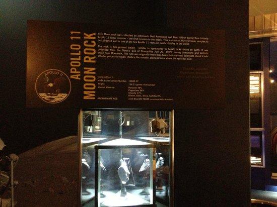 Cosmosphere : Moon rock