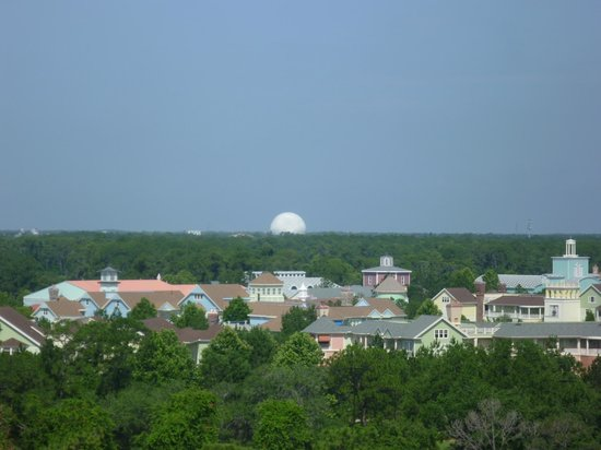 Hilton Orlando Buena Vista Palace Disney Springs: Zoom shot of balcony view of Epcot