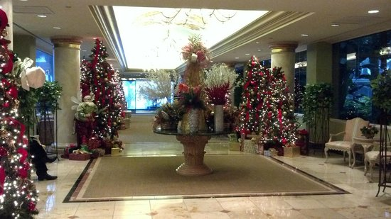 Lobby Entrance - Christmas - Picture of