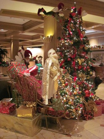 The San Luis Resort: Lobby Decorations