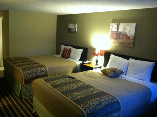 Country Town N' Suites: Loved the room clean clean clean oh and new everything