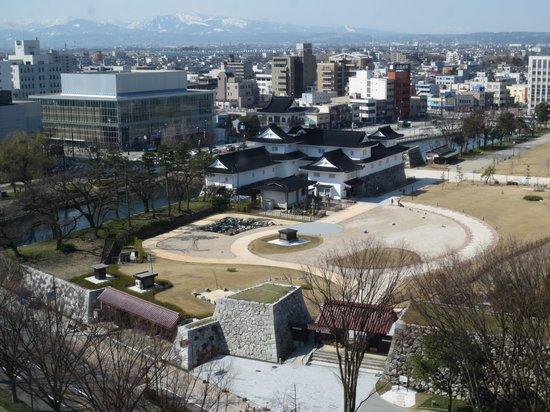 Toyama Daiichi Hotel : 富山城址公園が見える