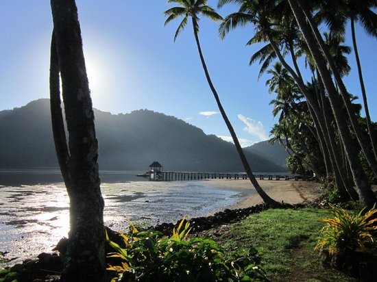 Lalati Resort & Spa: Walking to breakfast