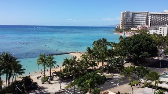 Alohilani Resort Waikiki Beach : partial ocean view