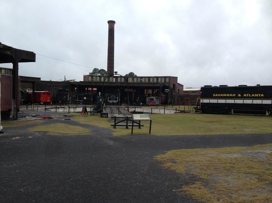 Georgia State Railroad Museum : Roundhouse
