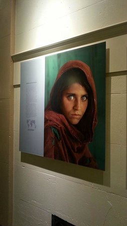 The Franklin Institute : National Geographic Picture of an Afghan Refugee Girl - 1980's