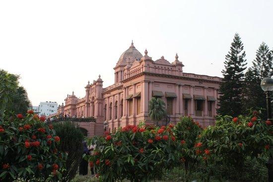 Ahsan Manzil : Nice historical building