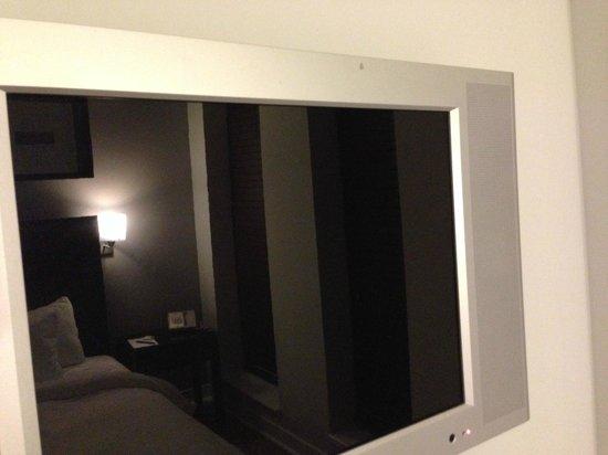 Executive Hotel Cosmopolitan: Mirror