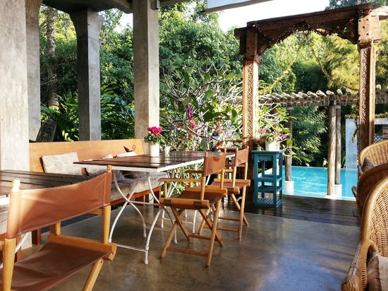 Proud Phu Fah Resort: Dining room and pool area