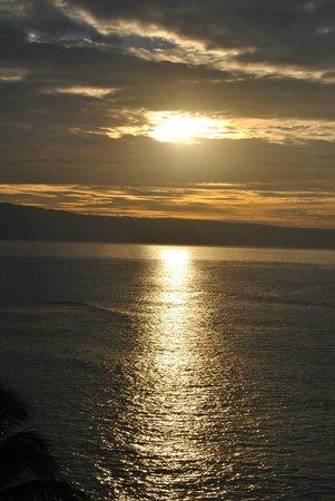 Royal Kahana : One of the many beautiful sunsets we experienced!