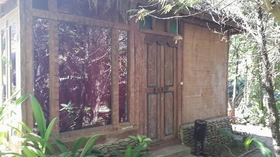 Imah Seniman : the wood house