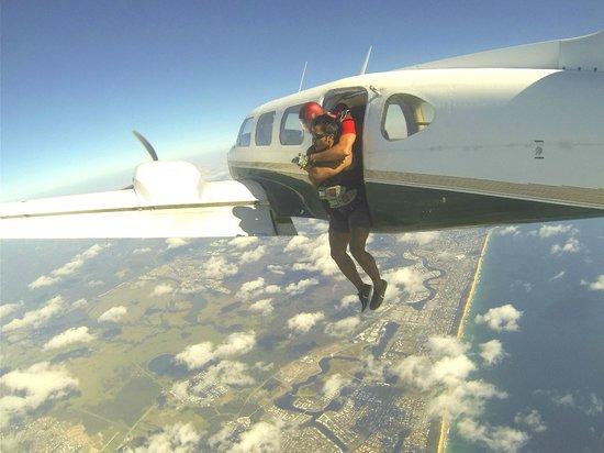 Sunshine Coast Skydivers : Sky Dive