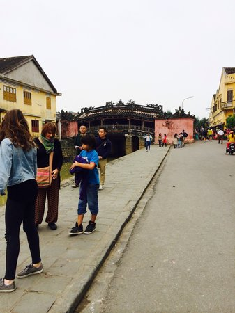 An Cloth Shop & Tailor: visit the ancient town of Hoi An