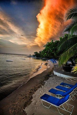 Hopewell, Ямайка: Round HillBeach