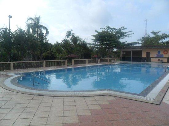 Bintan Cabana Beach Resort: pool