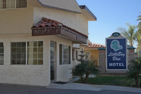 Little Boy Blue Motel : Frontdesk office