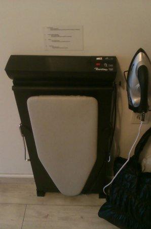 Airotel Patras Smart Hotel: ironing