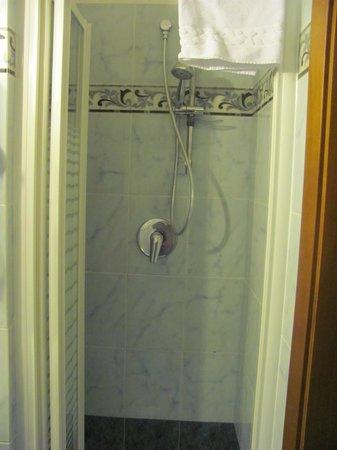 Hotel Rimini : Douche