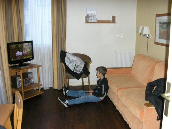 Citadines Montpellier Antigone: chambre clic clac