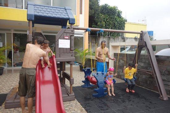 Grha Ciumbuleuit Guest House: Area Bermain Anak
