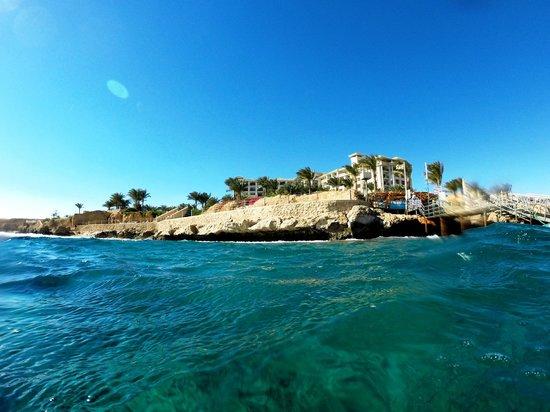 Stella Di Mare Beach Hotel & Spa: View from the sea to Stella di Mare