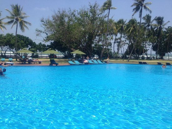 Cinnamon Bey Beruwala: pool