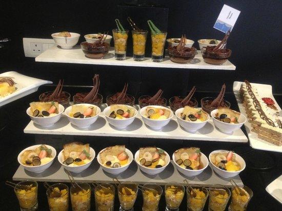 Cinnamon Bey Beruwala: Dessert buffet