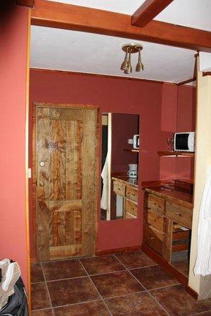 Charming - Luxury Lodge & Private Spa : closet area