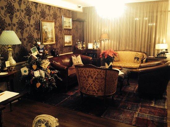 Townhouse Boutique Hotel: 27.12.13. Salon réception