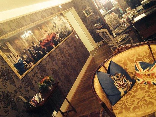 Townhouse Boutique Hotel: 27.12.13 salon réception /AF