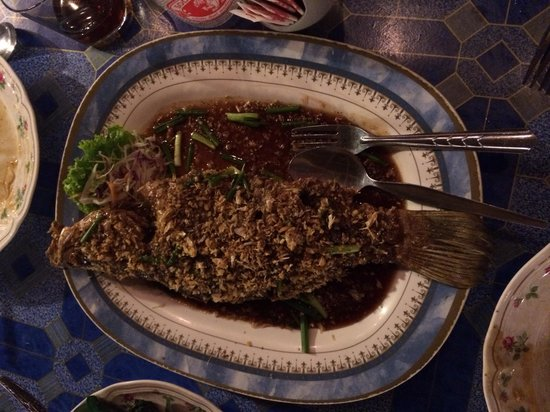Lanta Seafood: Seabass with garlic sauce