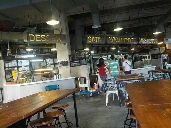 Dapurkita Food Mall City Square Johor Bahru Stalls Look Clean In The Aircon Environment